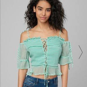 BEBE FRONT LACE UP TOP